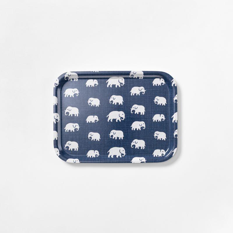 Bricka Elefant - 27x20 cm, Elefant, Rektangulär, Stormblå | Svenskt Tenn