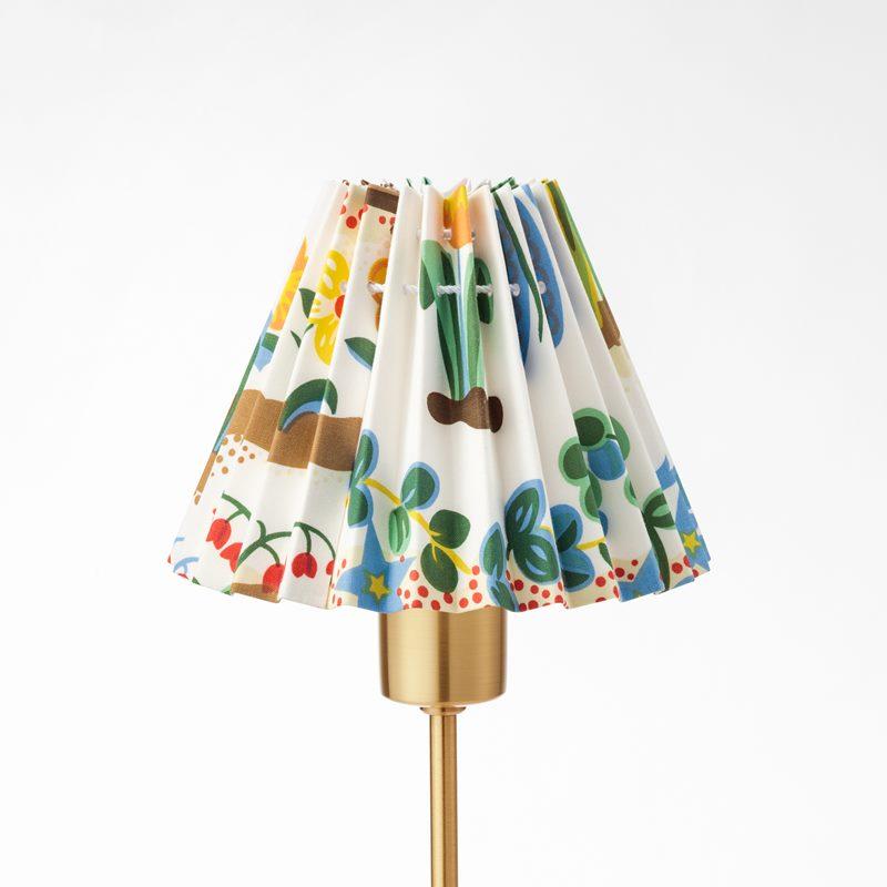 Pleated Lampshade - 14,5 cm, Cotton Satin, Primavera | Svenskt Tenn