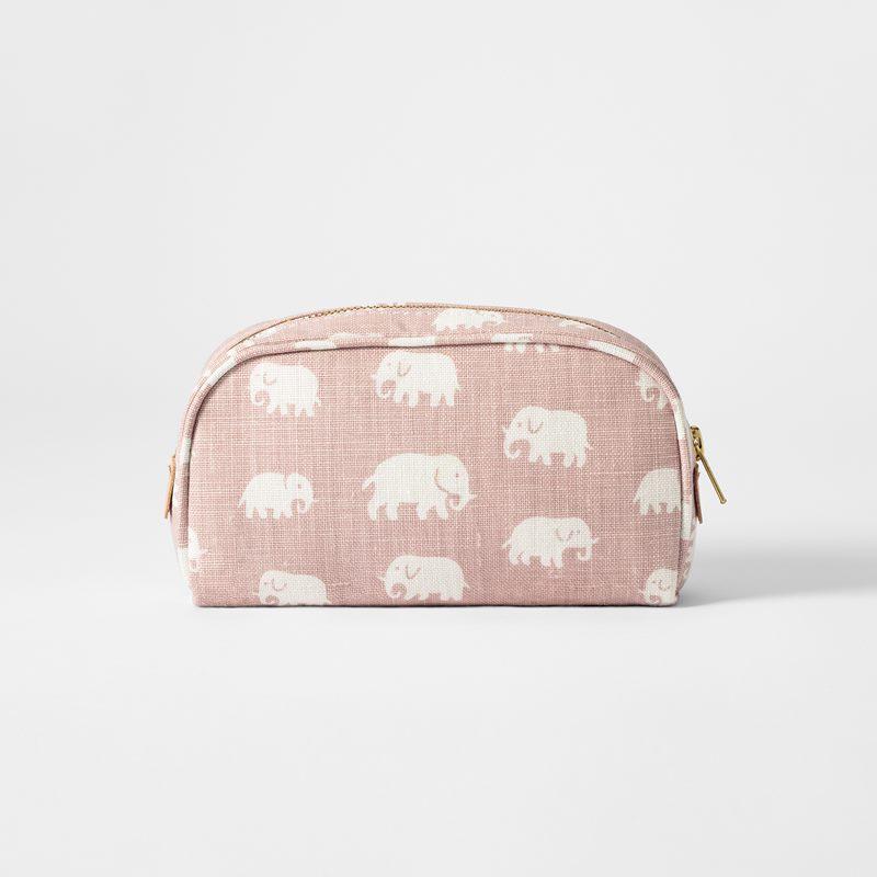 Toiletry Bag Elefant - Small, Linen, Elefant, Light Pink | Svenskt Tenn