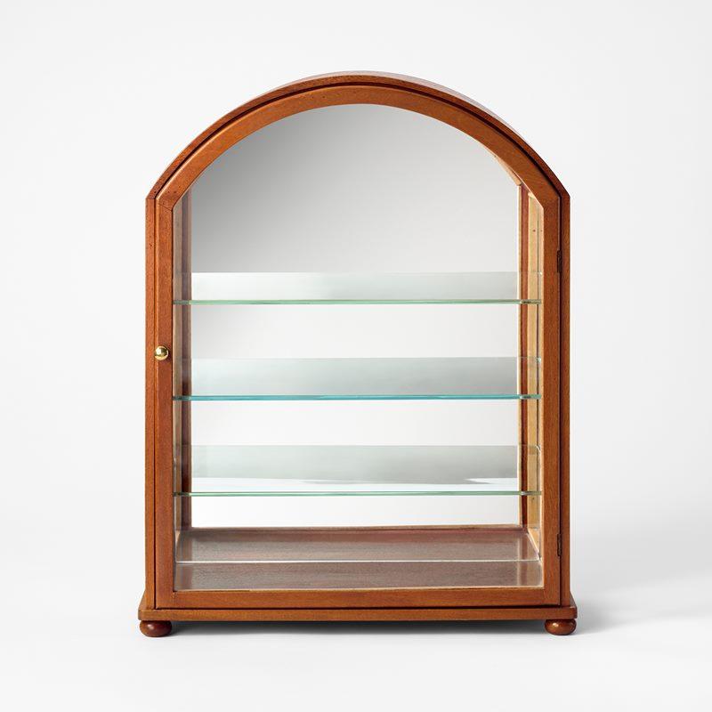 Glass Cabinet 2070 - Mahogany | Svenskt Tenn