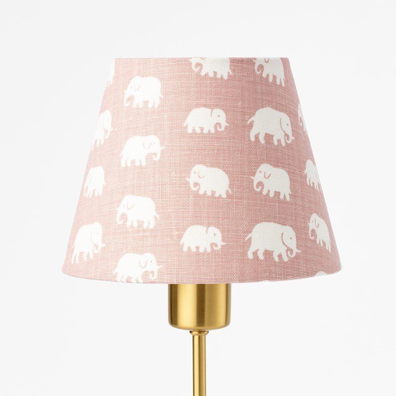 Lampskärm Spänd 2444 - Lin, Elefant, Ljusrosa | Svenskt Tenn