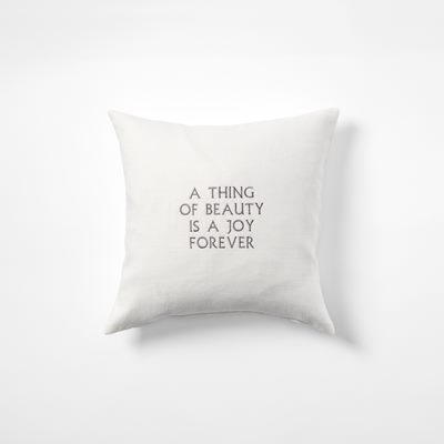 Kudde  A Thing Of Beauty is a Joy Forever - 40x40 cm, Lin, Vit, Svenskt Tenn | Svenskt Tenn