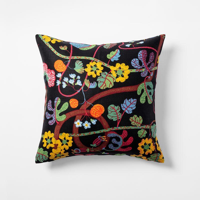 Cushion Baranquilla - 50x50 cm, Linen, Baranquilla, Black | Svenskt Tenn