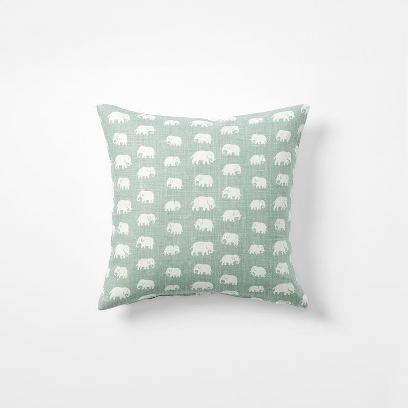 Cushion Elefant - 40x40 cm, Linen, Elefant, Frost Green | Svenskt Tenn