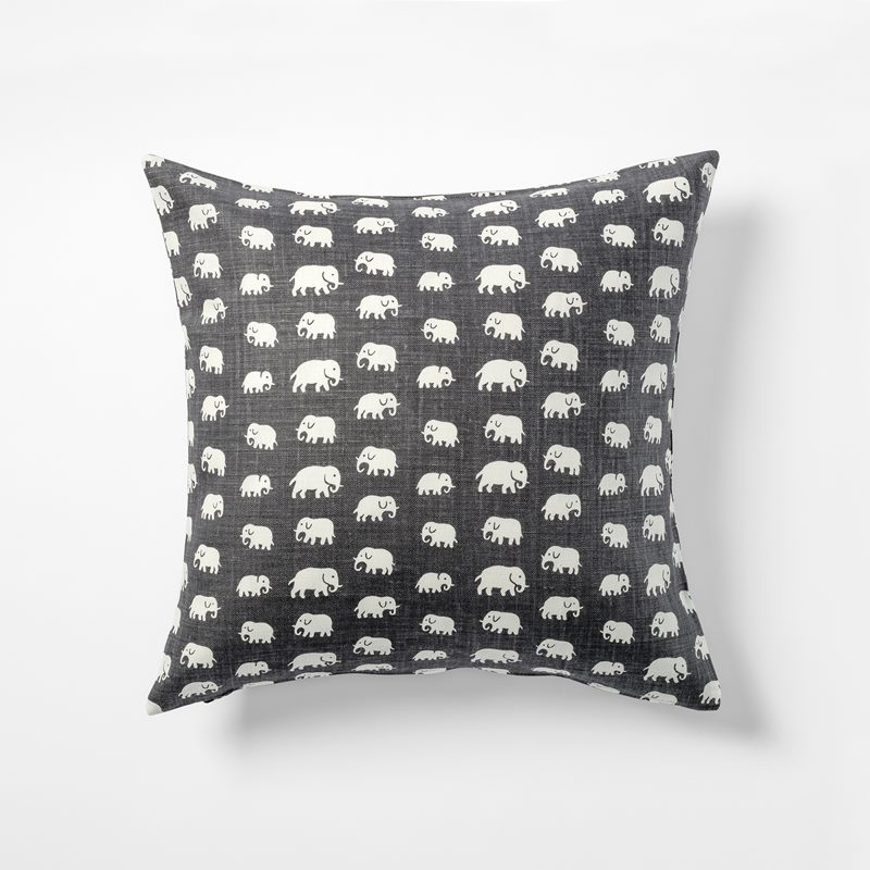 Cushion Elefant - 50x50 cm, Linen, Elefant, Grey | Svenskt Tenn