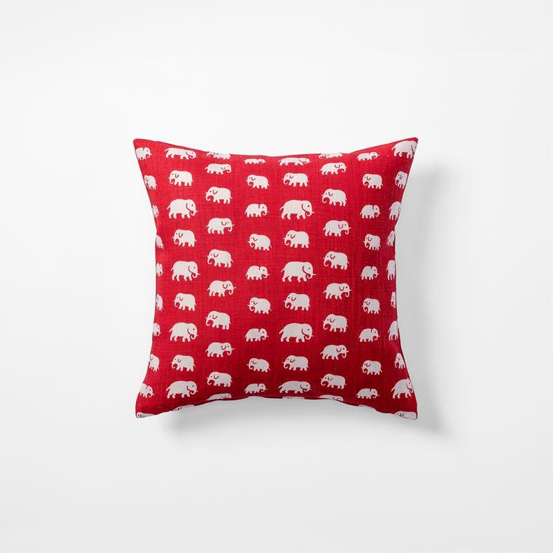 Kudde Elefant - 40x40 cm, Lin, Elefant, Röd | Svenskt Tenn