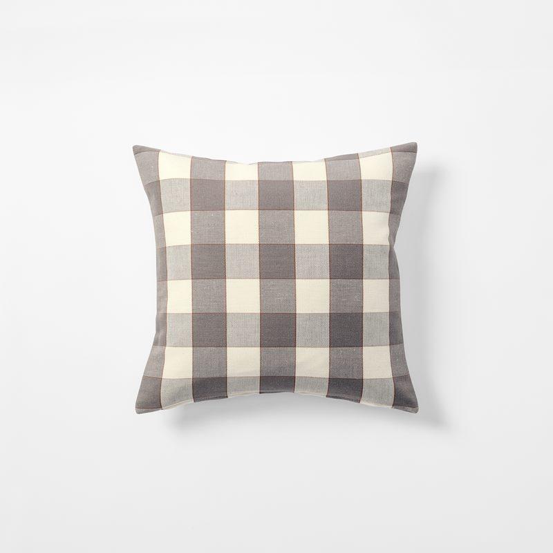 Cushion Gripsholmsruta - 40x40 cm, Linen Cotton, Gripsholmsruta, Grey | Svenskt Tenn