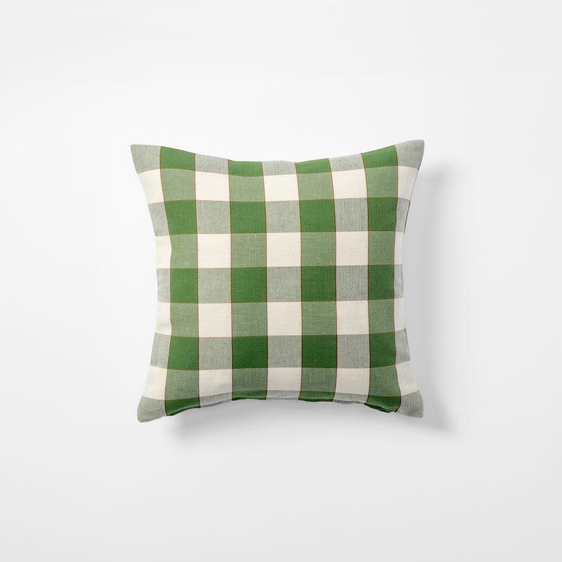 Cushion Gripsholmsruta - 40x40 cm, Linen Cotton, Gripsholmsruta, Green | Svenskt Tenn