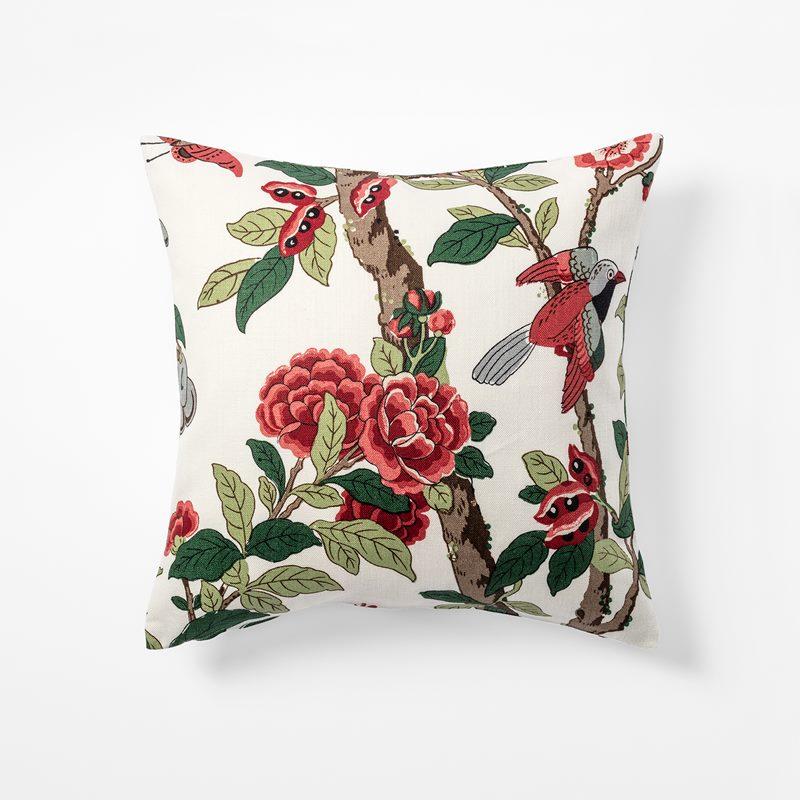 Cushion Körsbär - 50x50 cm, Linen, Körsbär, White | Svenskt Tenn