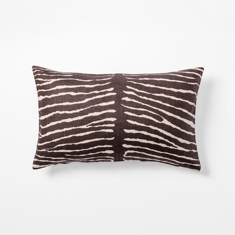 Cushion Le Zebre - 35x45 cm, Linen, Le Zebre, Brown | Svenskt Tenn