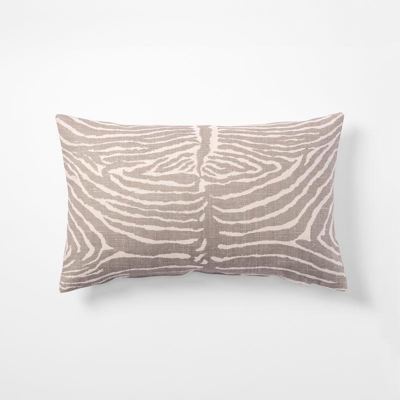 Cushion Le Zebre - 35x55 cm, Linen, Le Zebre, Grey | Svenskt Tenn