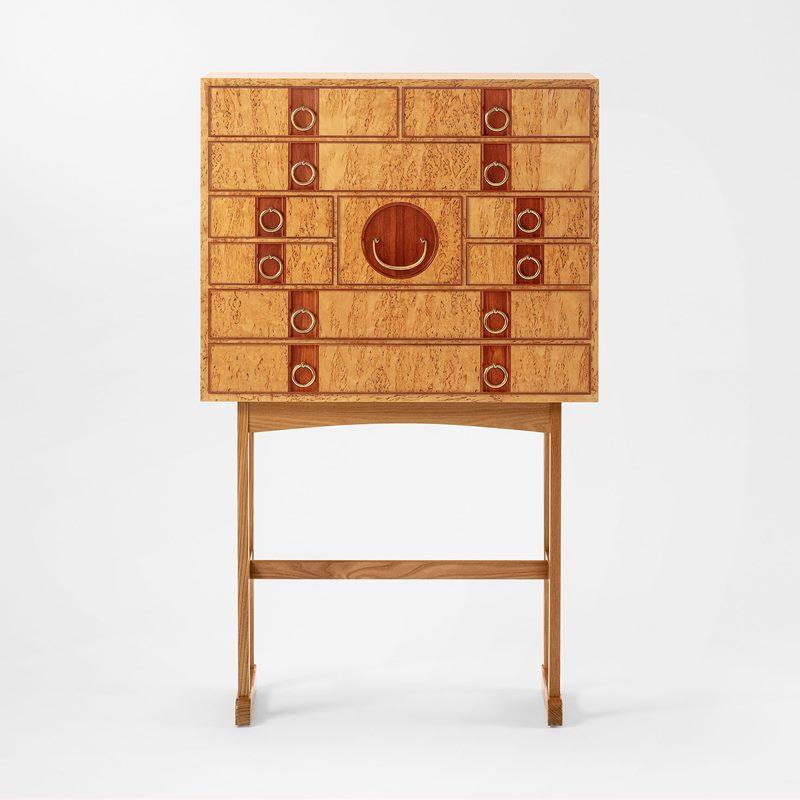 Cabinet 2215 - Masur birch | Svenskt Tenn