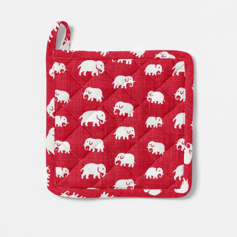 Pot Holder Elefant - Linen, Elefant, Red | Svenskt Tenn