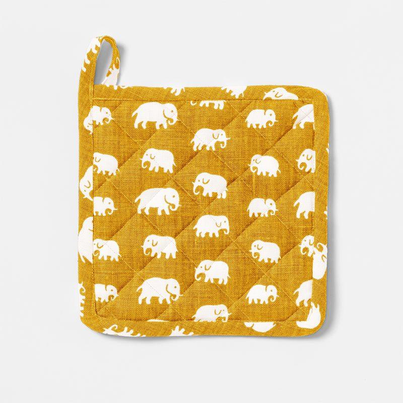 Pot Holder Elefant - Linen, Elefant, Yellow | Svenskt Tenn