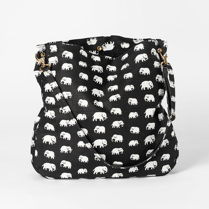 Bag Elefant - Lin, Elefant, Svart | Svenskt Tenn