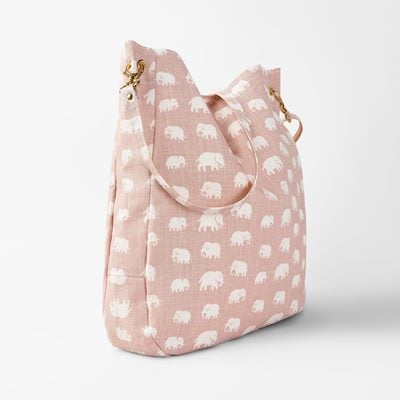 Bag Elefant - Linen, Elefant, Light Pink, Svenskt Tenn | Svenskt Tenn