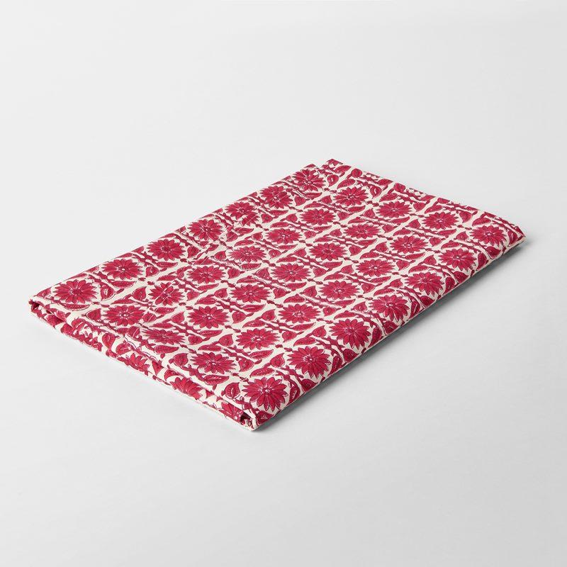 Table Cloth Block Print Round Everlasting Flower - 140 cm, Cotton, Red | Svenskt Tenn