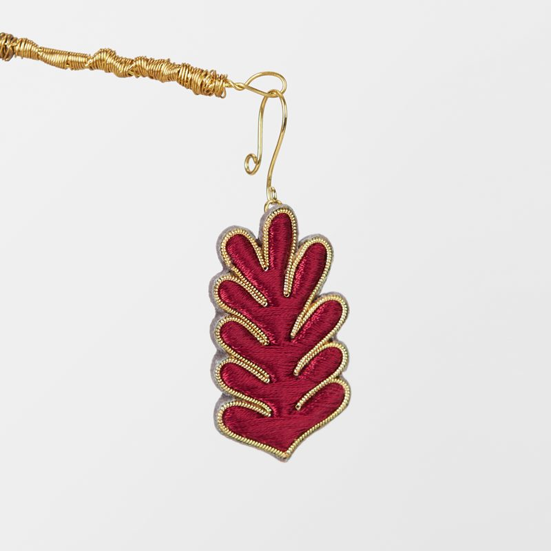 Decoration Wish Coral Embroidered - Silk, Red | Svenskt Tenn