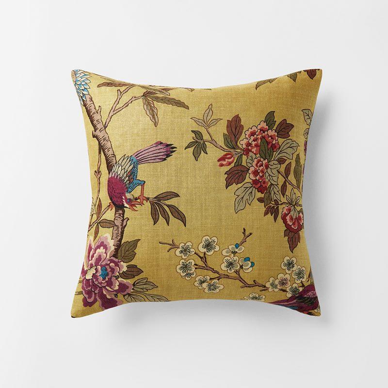 Cushion Hydrangea Bird - 50x50 cm, Linen, Hydrangea Bird, Ochre | Svenskt Tenn