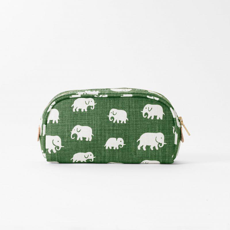 Toiletry Bag Elefant - Small, Linen, Elefant, Green | Svenskt Tenn