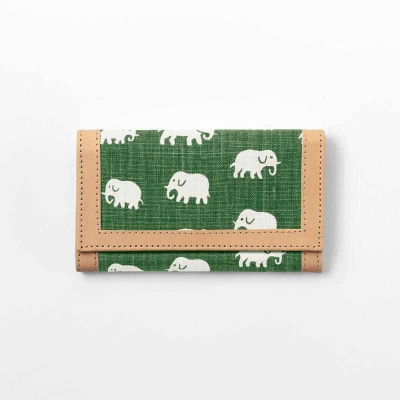 Plånbok Elefant - Lin, Elefant, Grön | Svenskt Tenn