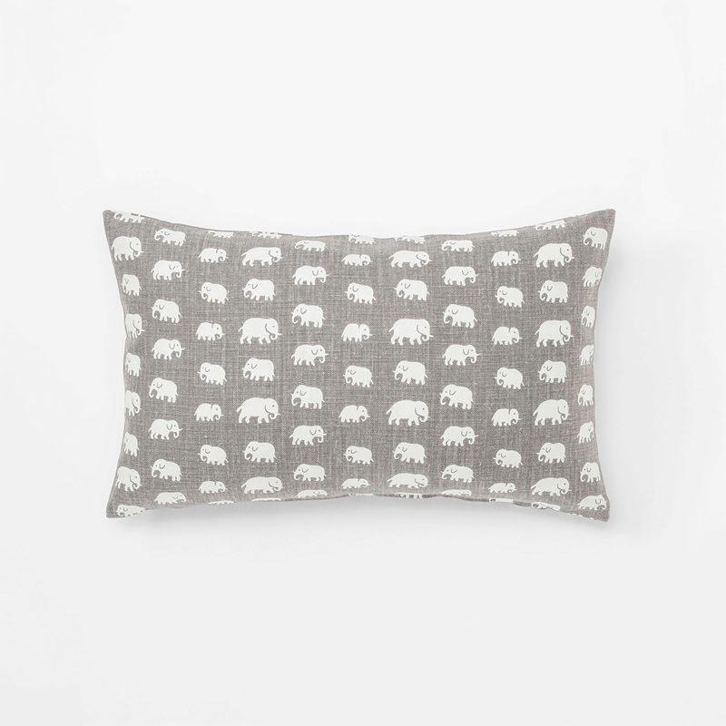 61f999478e0 Cushion Elefant - 35x55 cm, Linen 315, Elefant, Warm Grey | Svenskt Tenn