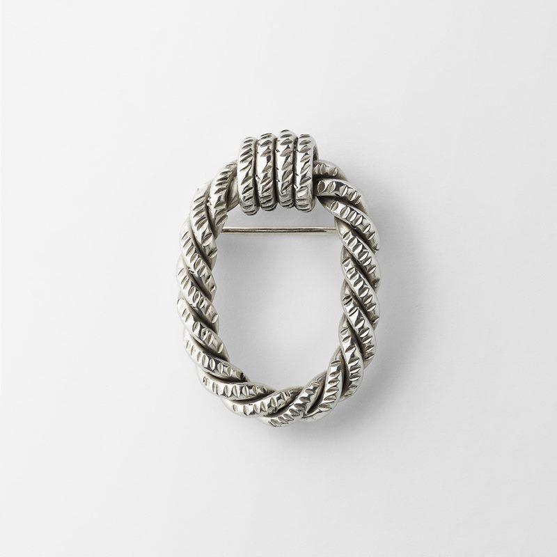 Brooch Rope - 4x3 cm, Pewter | Svenskt Tenn