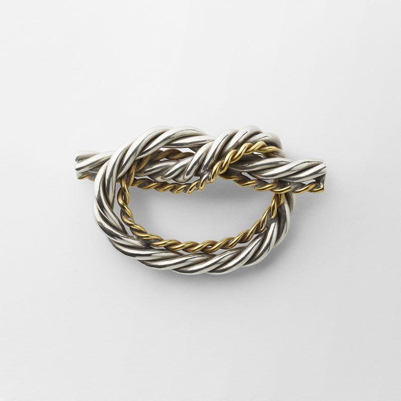 Brooch Knot - Brass | Svenskt Tenn