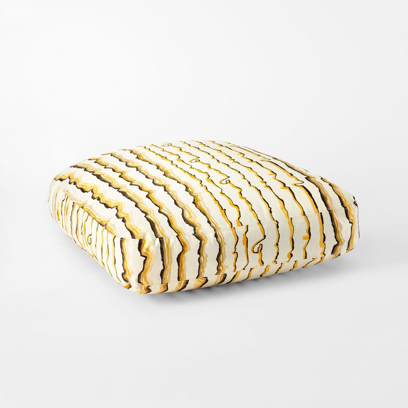 Cushion Armchair 311 | Svenskt Tenn
