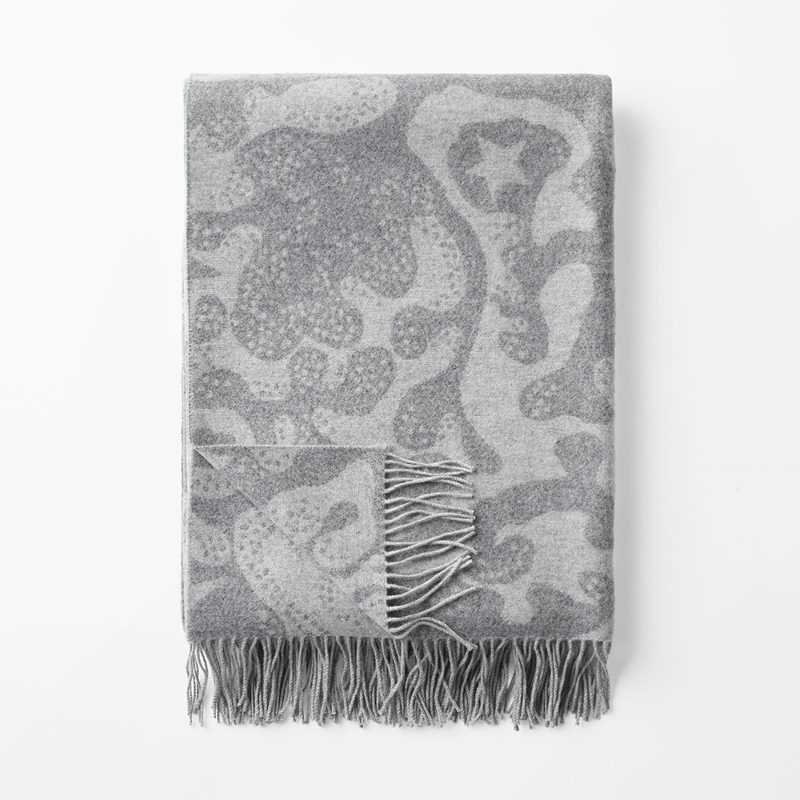 Throw Aristidia - 140x190 cm, Merino Cashmere, Aristidia, Grey | Svenskt Tenn