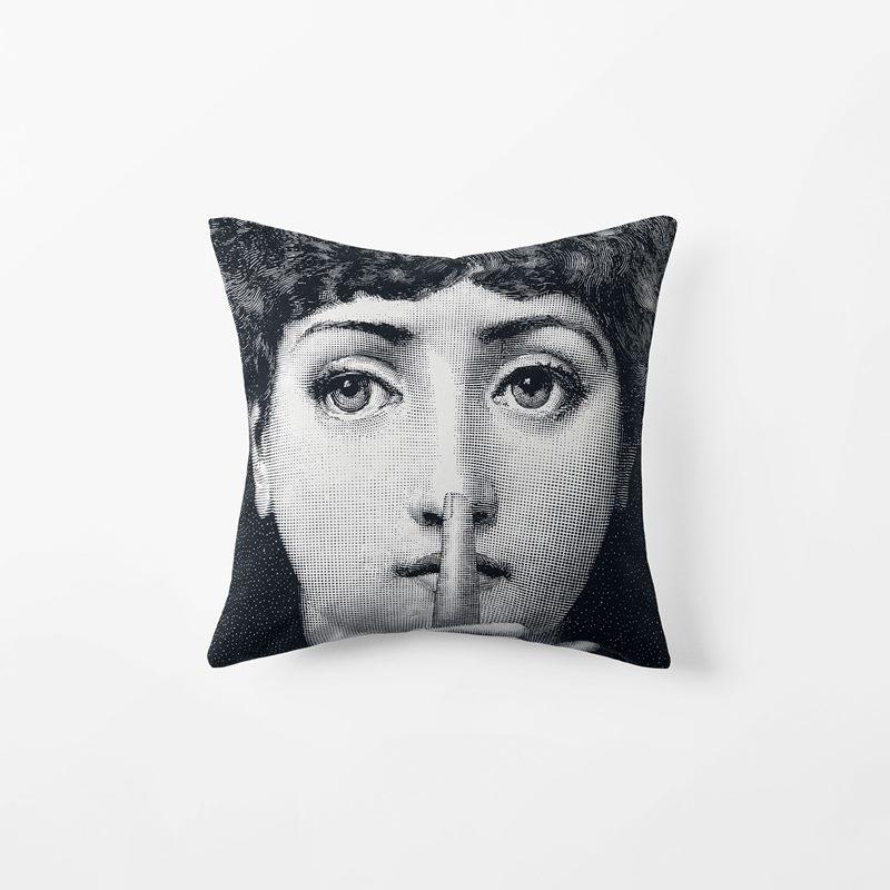 Cushion Fornasetti Silenzio - 40x40 cm, Cotton, Black White | Svenskt Tenn