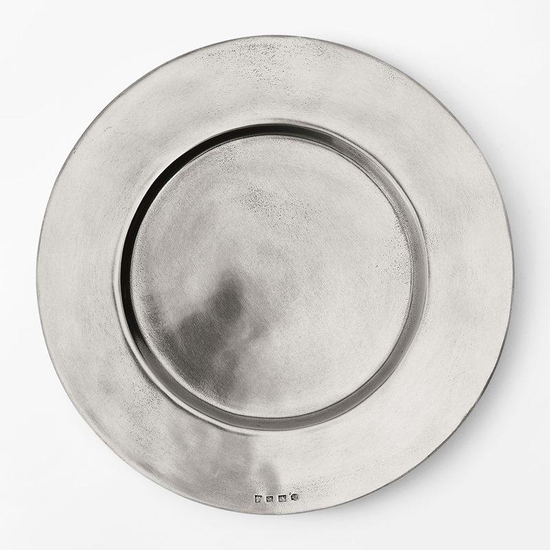 Charger Plate Round - Diameter 32 cm, Pewter | Svenskt Tenn