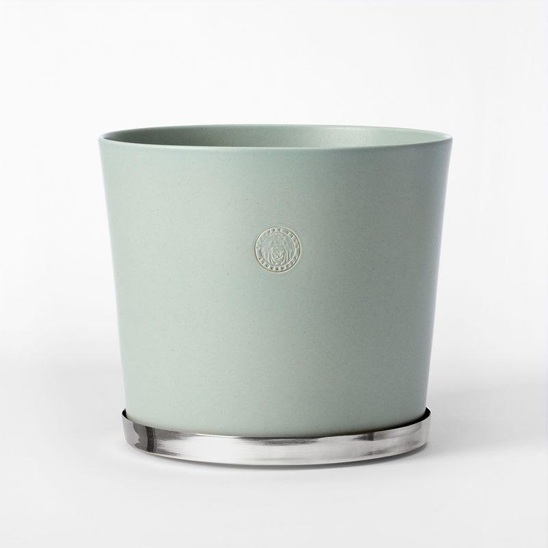 Pot Svenskt Tenn - 23,5 cm, Stoneware, Ice Blue | Svenskt Tenn