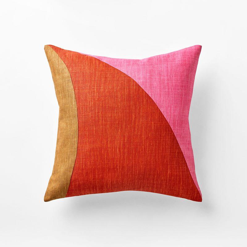 Cushion Misto - 50x50 cm, Linen, Pesca Misto, Peach | Svenskt Tenn