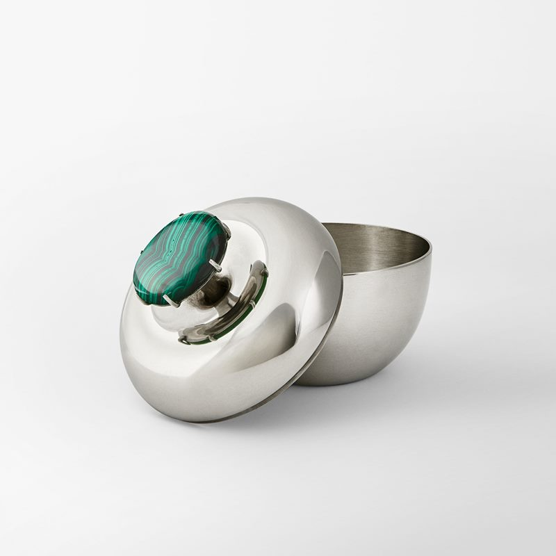 Box Apple - Pewter and Malachite | Svenskt Tenn