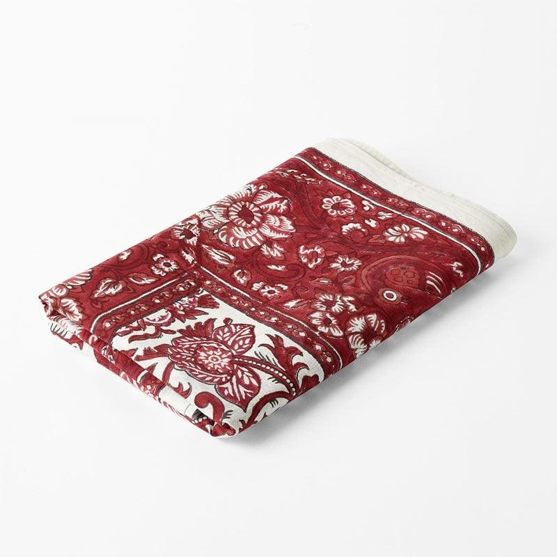 Table Cloth Peacock - 150x350 cm, Cotton, Påfågel, Red | Svenskt Tenn
