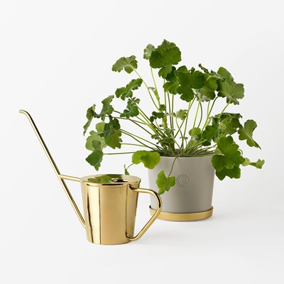 Pot Svenskt Tenn with Plant Pot Saucer and Watering Can | Svenskt Tenn