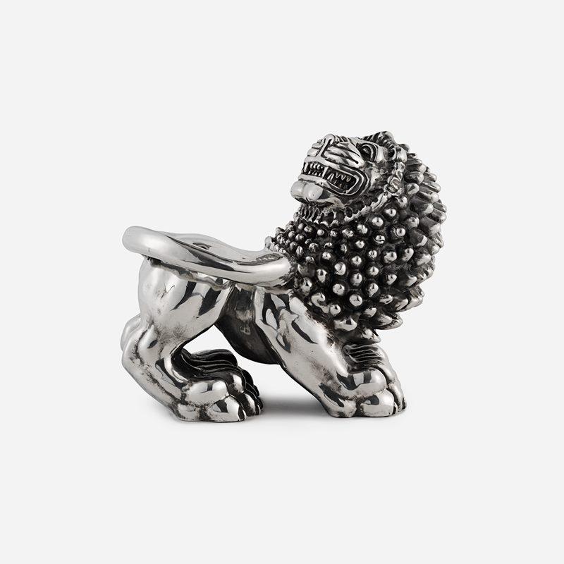 Lion - Pewter | Svenskt Tenn