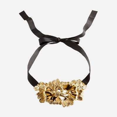 Collier Flower Ribbon - Goldplated Pewter, Estrid Ericson | Svenskt Tenn