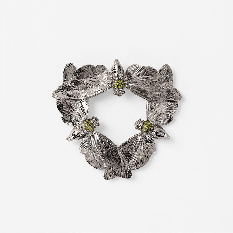 Brooch Cicada Garland - Brass, Silver | Svenskt Tenn