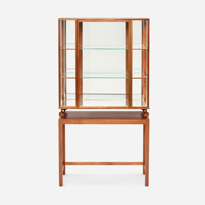 Glass Cabinet 2077 - Mahogany | Svenskt Tenn