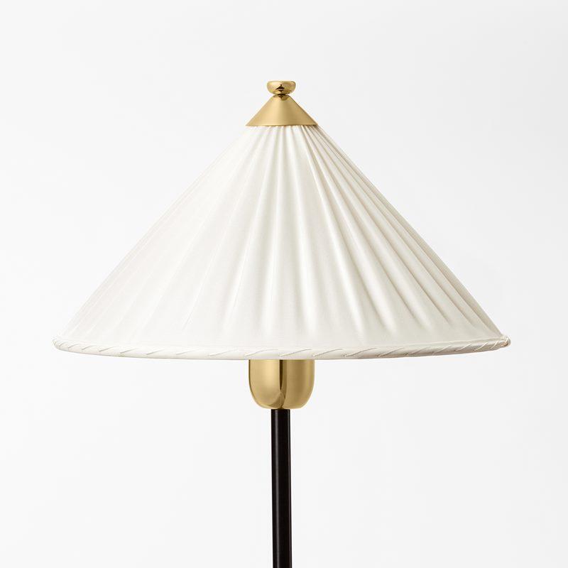 Lampshade Sewn 2599 - Silk, White | Svenskt Tenn