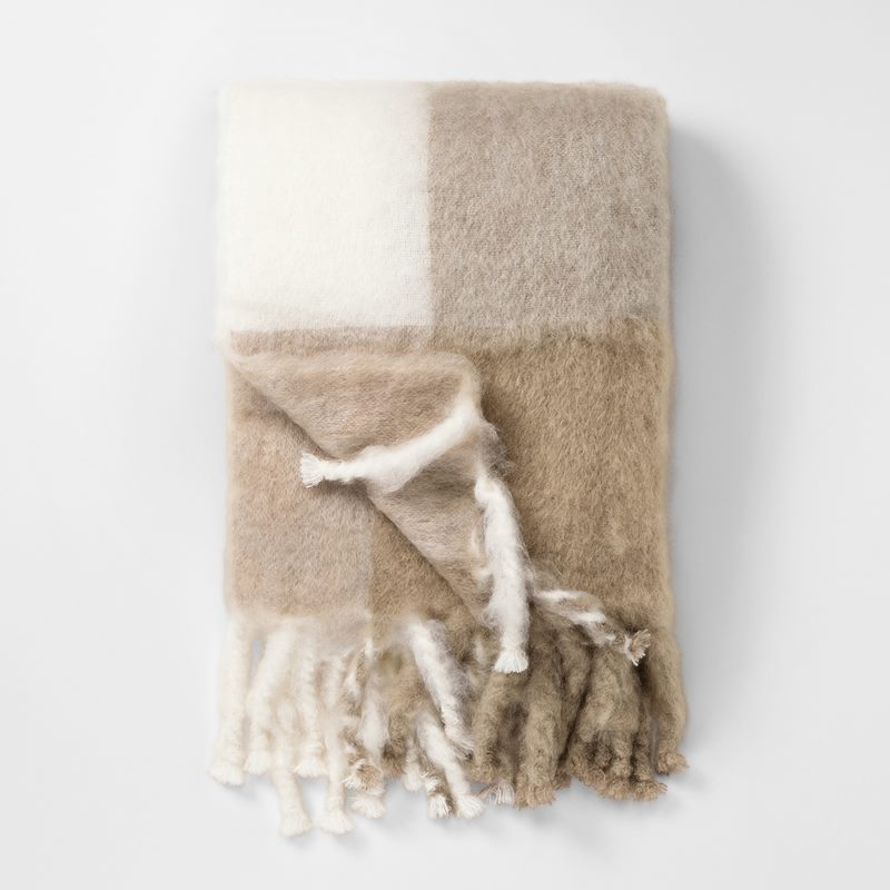 Throw Mohair - 130x180 cm, Mohair wool, Beige | Svenskt Tenn