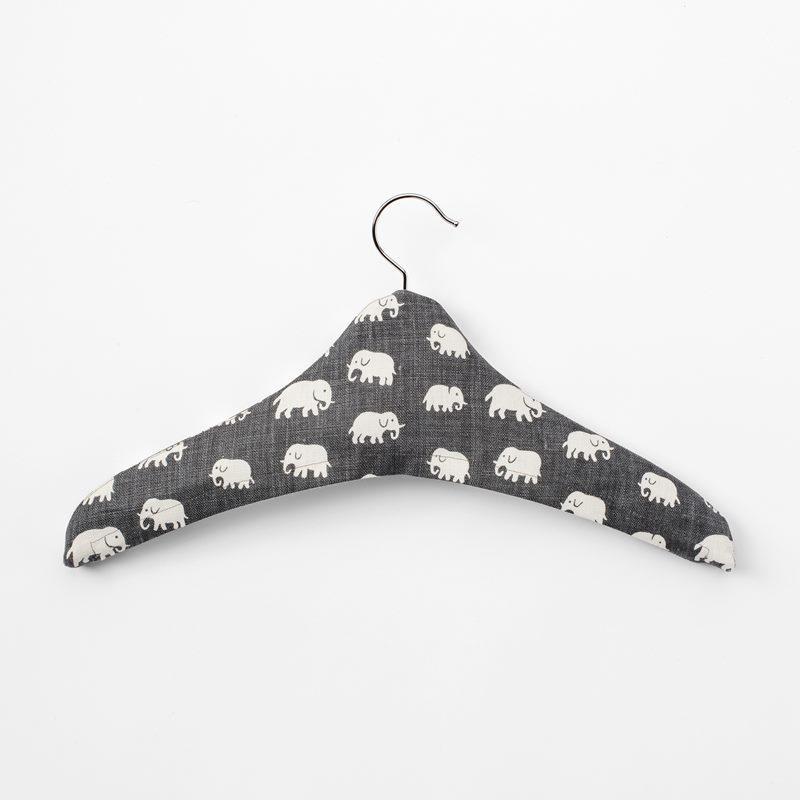 Hanger Textile - Linen, Elefant, Grey | Svenskt Tenn