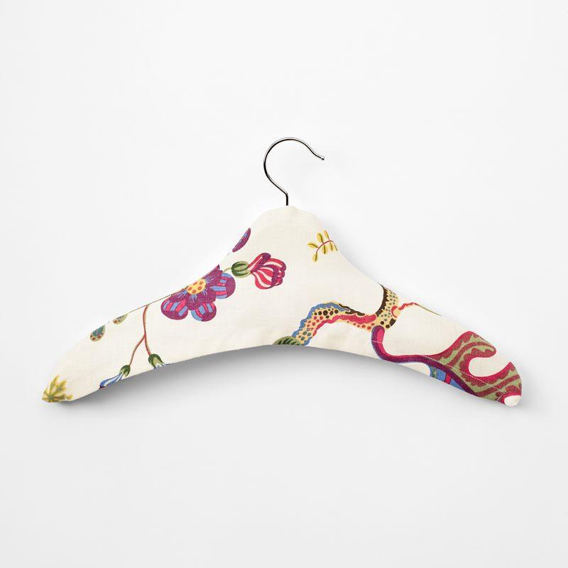 Hanger Textile - Linen, Vegetable Tree | Svenskt Tenn
