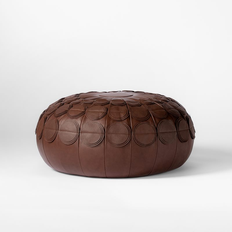 Leather Pouf Pompom - 65 cm, Leather, Brown | Svenskt Tenn