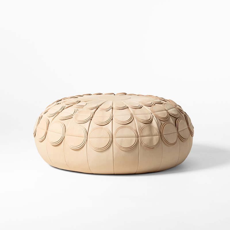 Leather Pouf Pompom - 65 cm, Leather, Nature | Svenskt Tenn