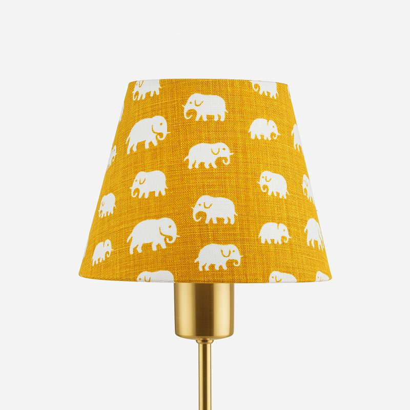 Lampshade 2444 - Linen, Elefant, Yellow | Svenskt Tenn